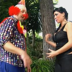 Las fiestas extremas y depravadas de chicas viciosas como Suhaila Hard